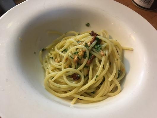 Spaghetti aglio e olio.jpg